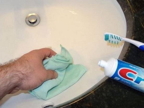 10 причин использовать зубную пасту не по назначению. Универсальное средство!