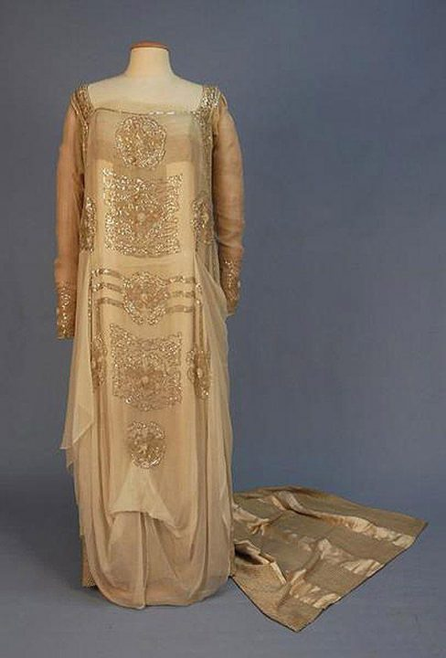 200-летняя история свадебного наряда: эти фотографии удивят любую современную невесту!
