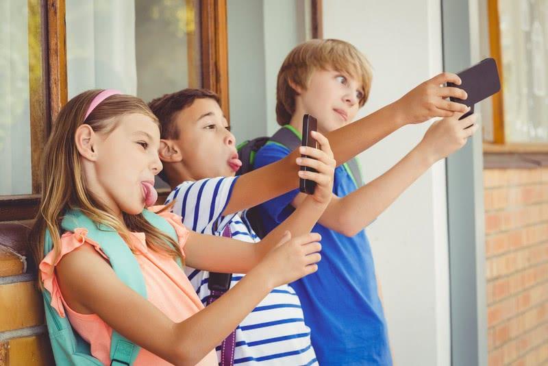 Доктор Николас Кардарас: «Это цифровой героин»! Вот почему психиатры просят оградить ребенка от смартфонов.