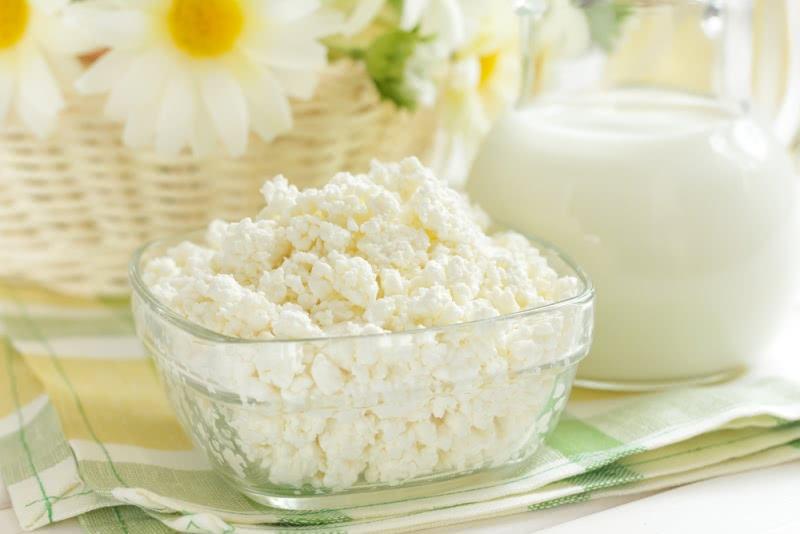 Гениальное спасение пропадающего творога: 5 вкуснющих диетических блюд из творога для всей семьи