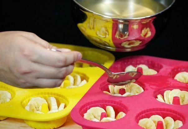 Изысканный десерт с тонким ароматом вина. Это желе с бананом покорит тебя навсегда!