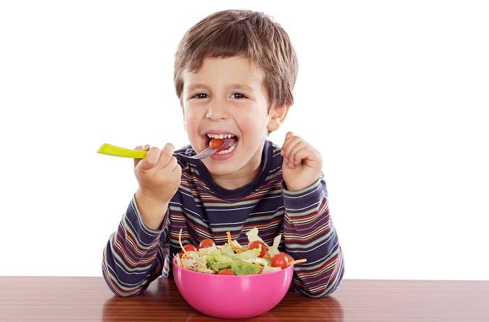 Как помочь сладкоежке справиться с зависимостью: практичные советы доктора Комаровского!
