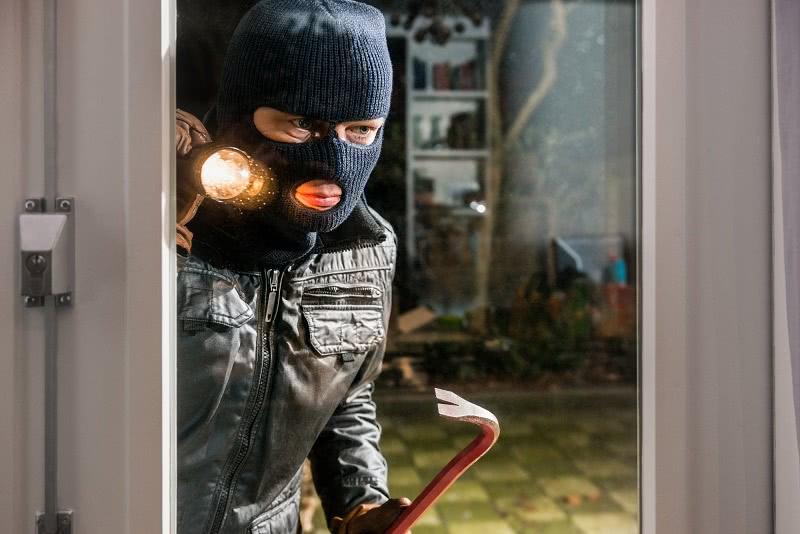 Как защитить свой дом от краж