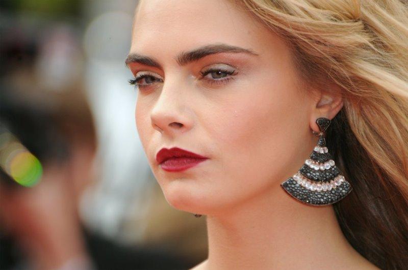 Красивые брови меняют лицо и всю жизнь! Но есть дьявольские минусы…
