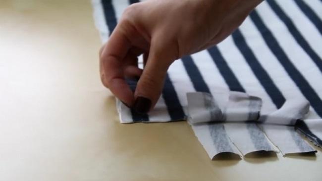 Креативная наволочка и еще 2 яркие идеи того, что можно сделать из ненужных футболок.