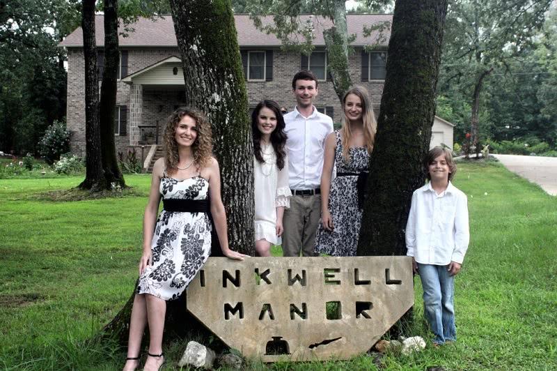 Мама 4 детей построила огромный дом с помощью видео из YouTube!