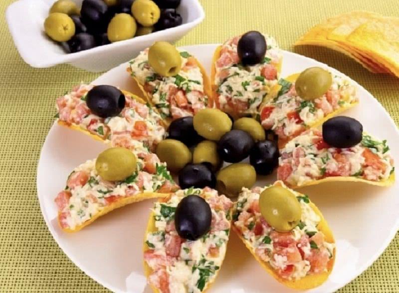 Новогодняя закуска «5 минут»: изумительное блюдо для праздничного стола!