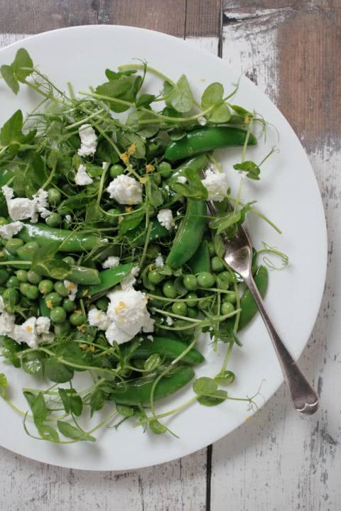 Отличное решение для летнего праздника: 9 оригинальных идей для салатов.
