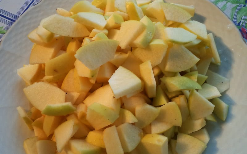 Причудливый пирог «Шарлатанка»: вкуснейшее угощение к Яблочному Спасу!