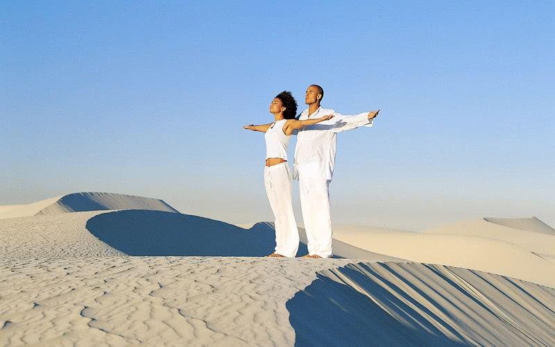 Простая утренняя зарядка тибетских лам. Найди гармонию с помощью 10 упражнений!
