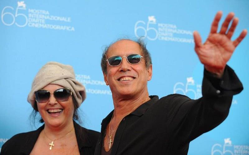 Рука об руку всю жизнь: история любви Адриано Челентано и Клаудии Мори длится вот уже 50 лет! Молодец Клавочка…