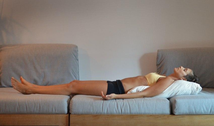Самый лучший способ, который поможет быстро уснуть! Если тебя донимает бессонница, соедини подошвы ног, теперь…