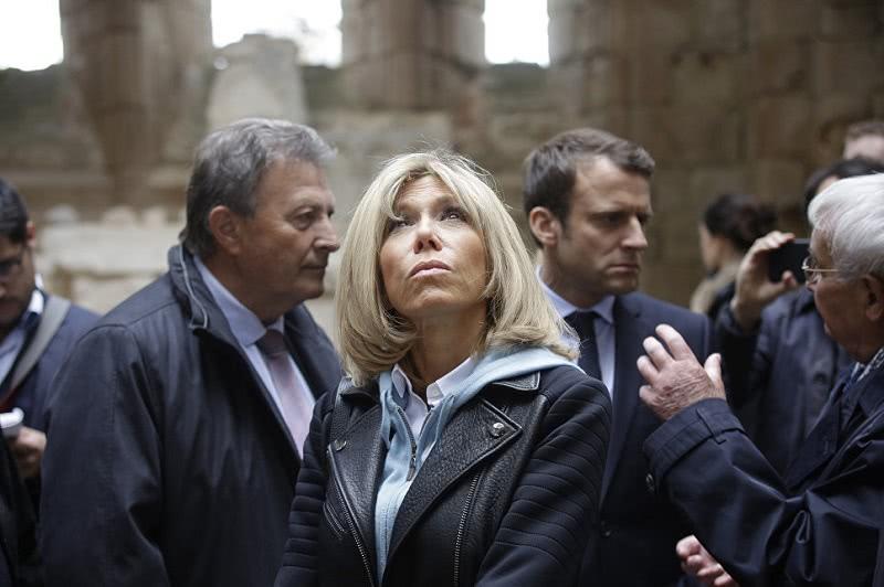 Учительница первая моя: жена президента Франции Брижит Макрон о любви к мужу.