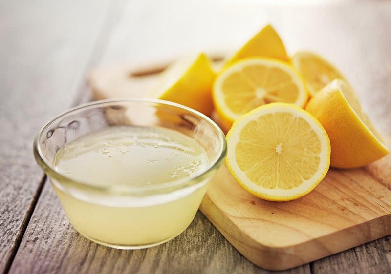 Всей семьей прекратили пить чай с лимоном! Поберегись и ты.