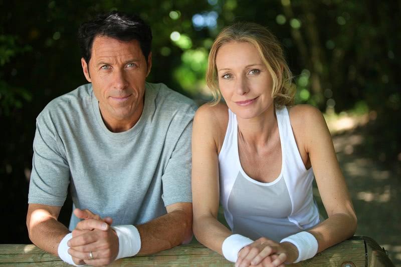 Зачем здоровому мужчине терпеть женщину после 40 лет: дело вовсе не в любви.
